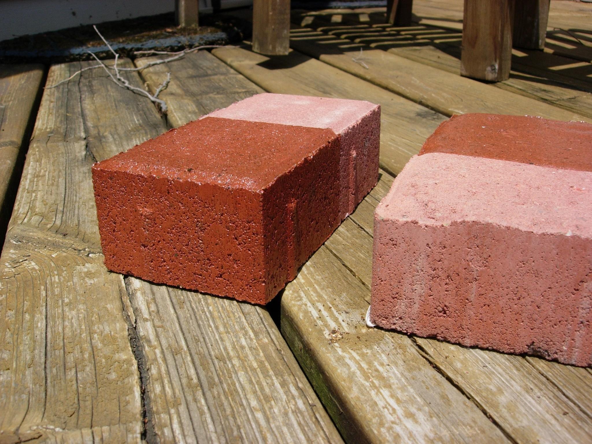 https://www.vseal.com/media/catalog/product/cache/1/image/9df78eab33525d08d6e5fb8d27136e95/P/i/Pic_Concrete_Paver_Red_Brick_Half_Sealed_IG-SB_2_2baa57d7-56de-4c23-af85-0053da917f3b.jpg