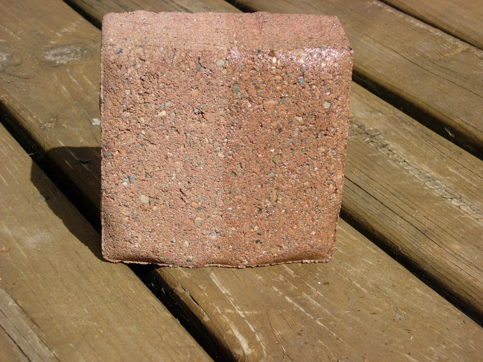 http://www.vseal.com/media/catalog/product/cache/1/image/9df78eab33525d08d6e5fb8d27136e95/P/i/Pic_Concrete_Paver_Red_Brick_Half_Sealed_IG-WB_1ec.jpg